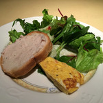 Bar&Grill Nuage - パスタランチのサラダと前菜2品