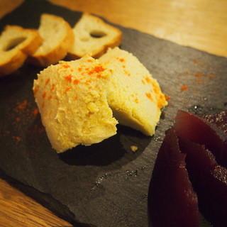 フォアグラのムース〜リンゴの赤ワイン煮添え〜