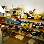 ハナノワcafe - スタジオmさんの器がたくさん。