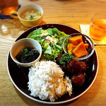 ハナノワcafe - ご飯は大盛り無料。