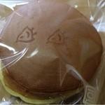 豆暦 - どら焼き(133円)