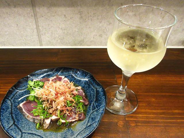 すいば 四条河原町店 - (2016.4月)グラスワイン250円、かつおたたき350円