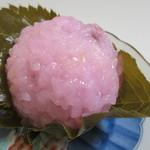参松堂 - さくら餅120円。