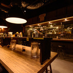 175°DENO〜担担麺〜 - 竹をモチーフにしたモダンな店内