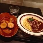 食堂カフェ potto - Potto SET(黒毛和牛プレミアムミートソース、北海道「北あかり」アンチョビポテト)