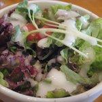 グラン - ランチメニュー付け合せのサラダ