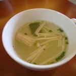 4980580 - セットのスープ