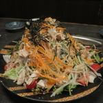 エビス - 蒸し鶏と大根のサラダ