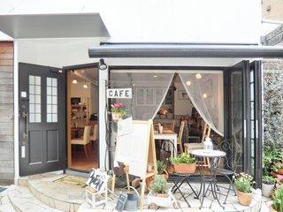 Cafe T - 開放感溢れる素敵な雰囲気です