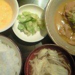 六本木 四天王 - もつ煮定食 500円