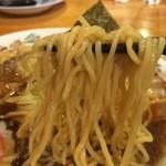 いちまる - 長岡生姜醤油ラーメンの麺