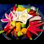 星蔵 - 「三浦野菜のビック版サラダ」野菜ソムリエスタッフ監修の季節の野菜盛!