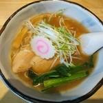 ハナヤマZ - ずわい蟹とスルメイカの醤油ラーメン680円