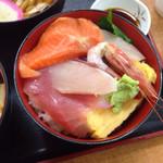 勘太そば - 海鮮丼アップ♪