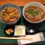 49815844 - 小海老と野菜のかき揚げ丼+温蕎麦