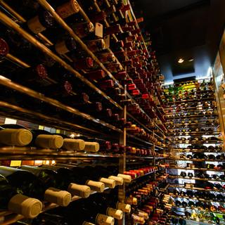 フランスワインが豊富です。約400種類以上在庫