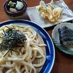 大臼荘 - 料理写真:ざるうどん