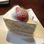 スールポッシュ - 朝摘みイチゴのショートケーキ