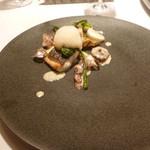49829287 - 魚料理:明石鯛のポワレ