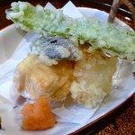 いち川 - 揚げ物:四角豆、小茄子、玉葱、海老真薯