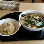 魔法のキッチン 中華BARU - 料理写真:麺セット(税込み918円)