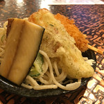 魚○ - お通し(惣菜盛り放題)1回