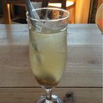 マウンテン*マウンテン - ランチセットのドリンク 自家製ジンジャーシロップソーダ