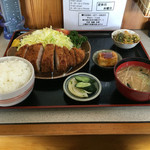 Yasukuniya - とんかつ定食(1,030円税込)