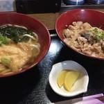49841472 - 日替わりランチの梅干し風味の豚丼とうどん700円、うどん出汁もちゃんとお出汁撮ってらっしゃいます。