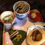 49841755 - [時計廻りで]茶碗蒸し-蟹味噌ルイベのせ,フォワグラの煮凝り,飯蛸のコノワタ和え,のし梅の酒粕サンド-空豆の梅肉添え,小松菜の白和え
