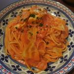 イタリアンバルパステル - キャベツとソーセージのトマトソース