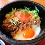 加西サービスエリア(下り線)レストラン - 赤い丸いトマトが欲しかった  石焼熱々!