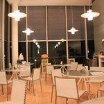 cafe maru2tasu - 夜の時の店内
