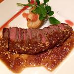 Aglio - 牛モモ肉のステーキ