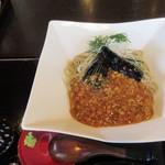 49855998 - 冷やしナスとそぼろ餡かけ 蕎麦  ¥1.000