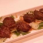 エイチツー クッキング - 「牛サガリのステーキ」です。和風ソースが合います。