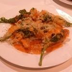 エイチツー クッキング - 「甘鯛のフリット」です。オマール海老のソースが素晴らしい。