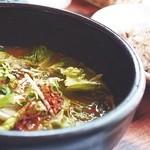 シェヌー - 料理写真:ニラとおやどりのスープカレー①