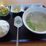 ハンサラン - ソロンタン定食780円(税込)