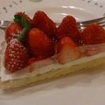 ピッツェリア マリノ - セットのデザートからイチゴのタルト