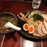 北海道らーめん ひむろ - ひむろ特製つけ麺特製醤油味       チャーシュートッピング