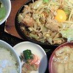 六本木 四天王 - 肉野菜炒め 850円