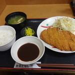 宮本むなし - ジャンボトンカツ定食650円(税込)