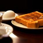 コーヒー専門店 ライオン - こんがり焼かれたトースト。