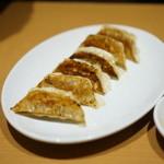 味仙 - 餃子