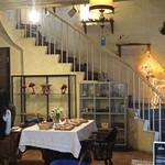 EMPORIO cafe&dining - トナカイのいる螺旋階段