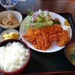 みのり食堂 - 2016年01月19日 12:00訪問 チキンカツ定食