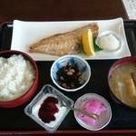 みのり食堂 - 2016年04月09日 11:50訪問 焼き魚定食¥820