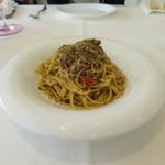 リストランテ ウミリア - 牛肉のナポリ風ジェノベーゼ スパゲティーニ (Apr.2016)