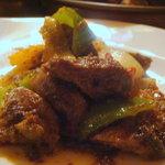 ミルミレ - パングラ プタン(砂肝のスパイス炒め)